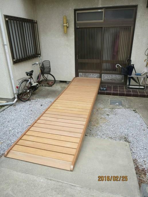 神奈川県茅ヶ崎市U様邸:車いす通路工事
